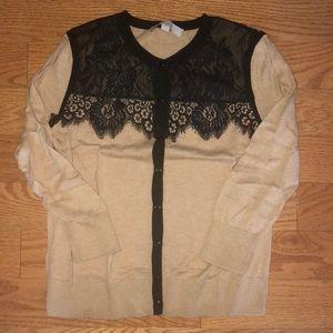3/4 Sleeve beige cardigan w black lace detailing